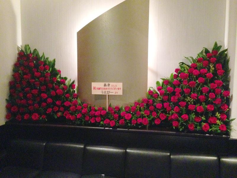 赤バラ壁面装飾