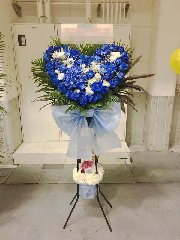オーダーメイドフラワーケーキ誕生日結婚式ショートケーキハートスタンド青バラ